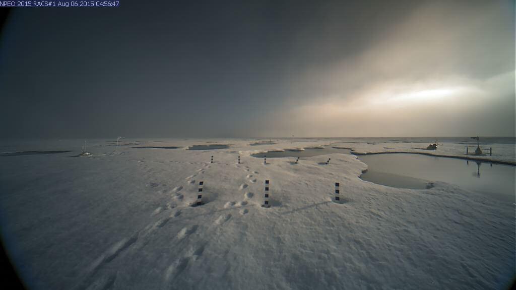 North pole webcam begins transmissions