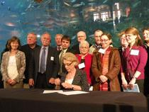 Gov Gregoire Signs Executive order
