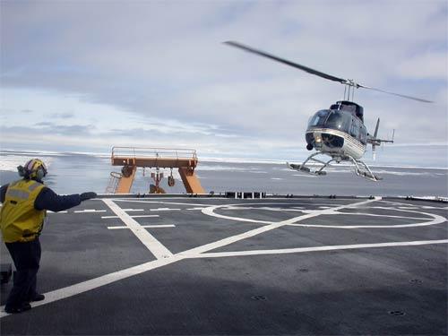 مفاهيم عامة حول عمل المروحيات والطوافات HeloLanding-by-RG.Brady